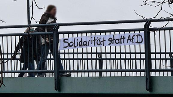 Transparent an der Teerhofbrücke