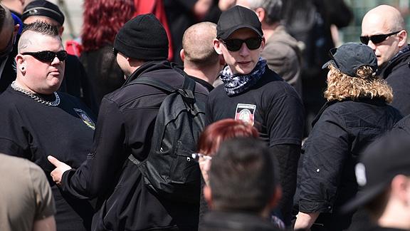 Bremer Nazis. Links Marcel Kuschela, rechts Michaela Jagemann