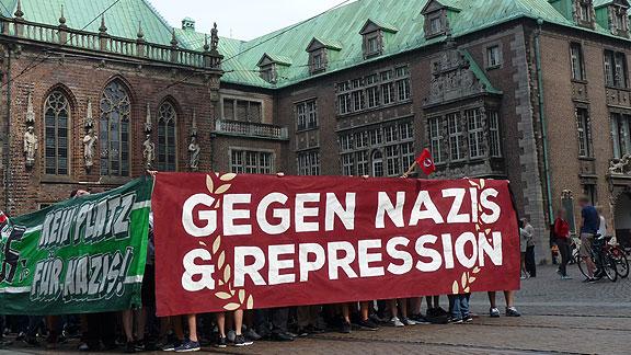 Solidemo im August 2015: Gegen Nazis & Repression!