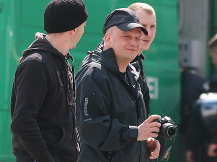 Drewitz mit Kamera, im Hintergrund der Bremer Gerrit Bräuer (seinerzeit GSD-Anlernling)
