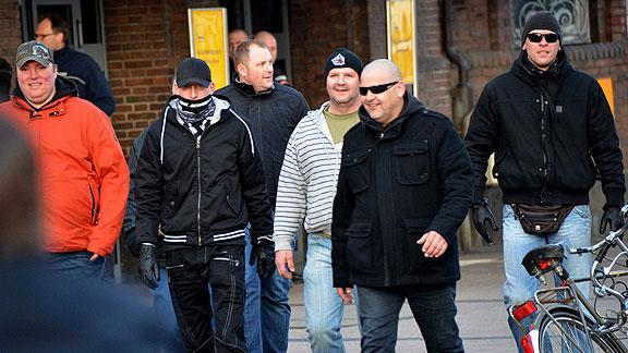 Teile der Bremer Reisegruppe zu OLGIDA (April 2015), von links nach rechts: Michael Füger, Patrick Büttner, Andreas Ritzmann, Eric Wessel, Heiko Bartels, Markus Mannshusen