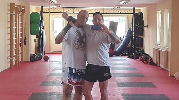 Christian Steiner und Danny Gierden posieren im Chang Tong Gym