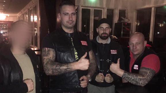 """Hells Angels unter sich: Christoph Mohrmann, Lars, <a href=""""https://antifa-bremen.org/was-ging-ab/2015/bremer-afd-mitglied-inmitten-von-gsd-nazis/"""">Fritjof Balz</a>"""